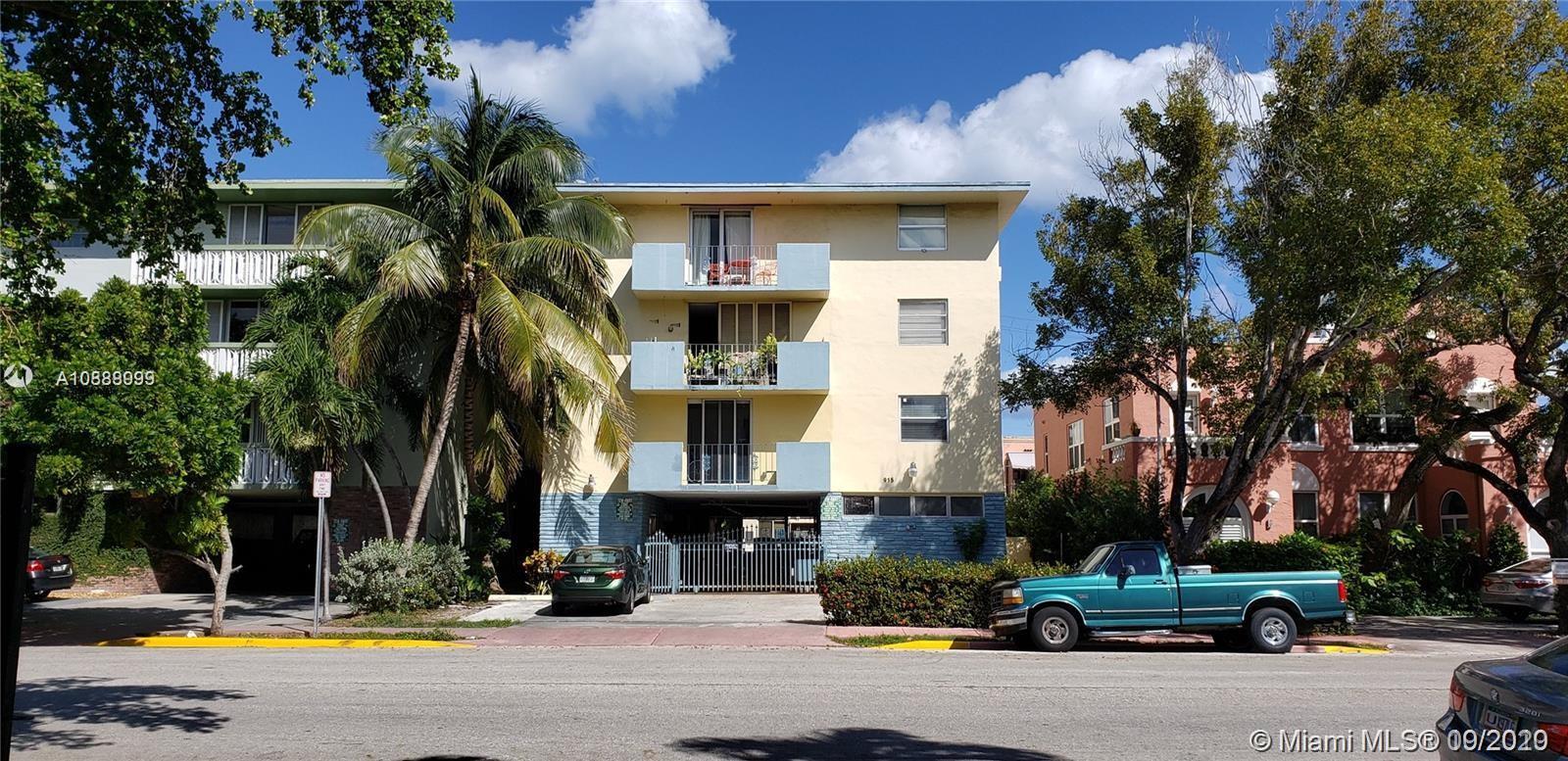 915  Jefferson Ave #2C For Sale A10888999, FL