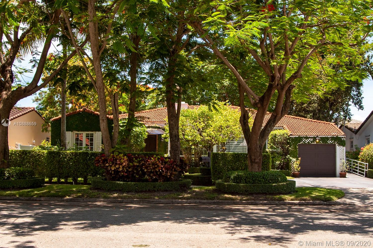 720 SW 24th Rd  For Sale A10888659, FL