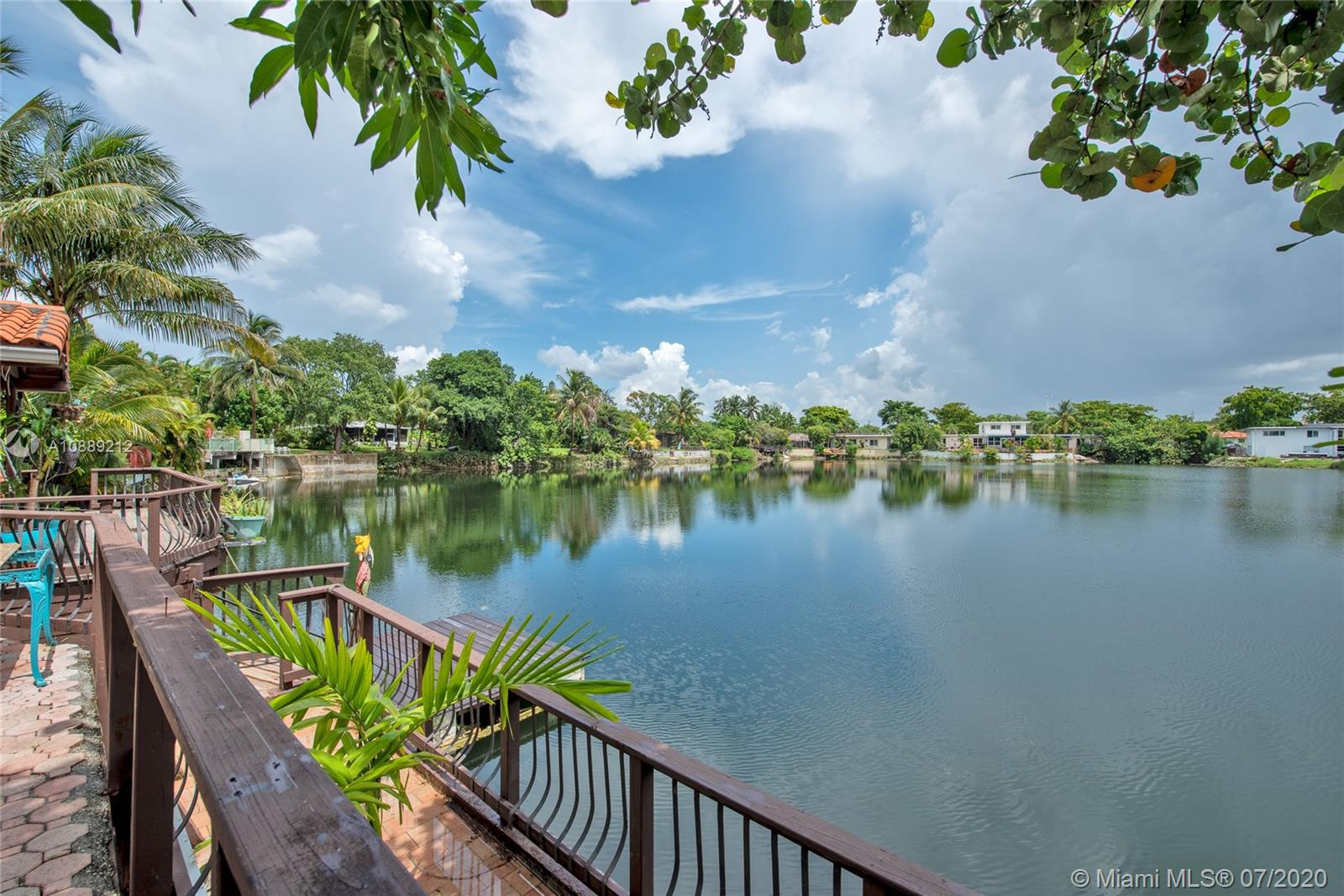 871  Heron Ave  For Sale A10889212, FL