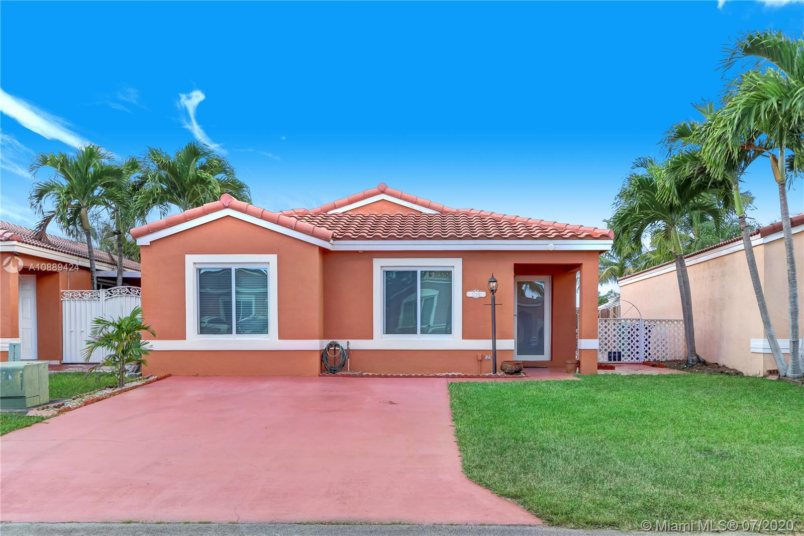 17392 SW 142nd Pl  For Sale A10889424, FL