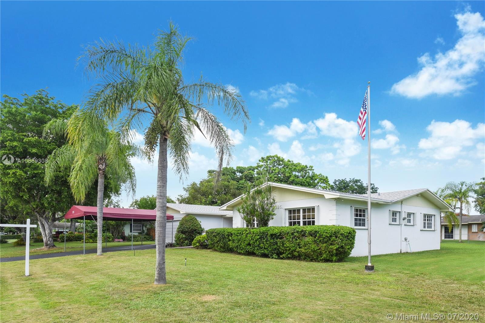 12225 SW 109th Ct  For Sale A10889308, FL