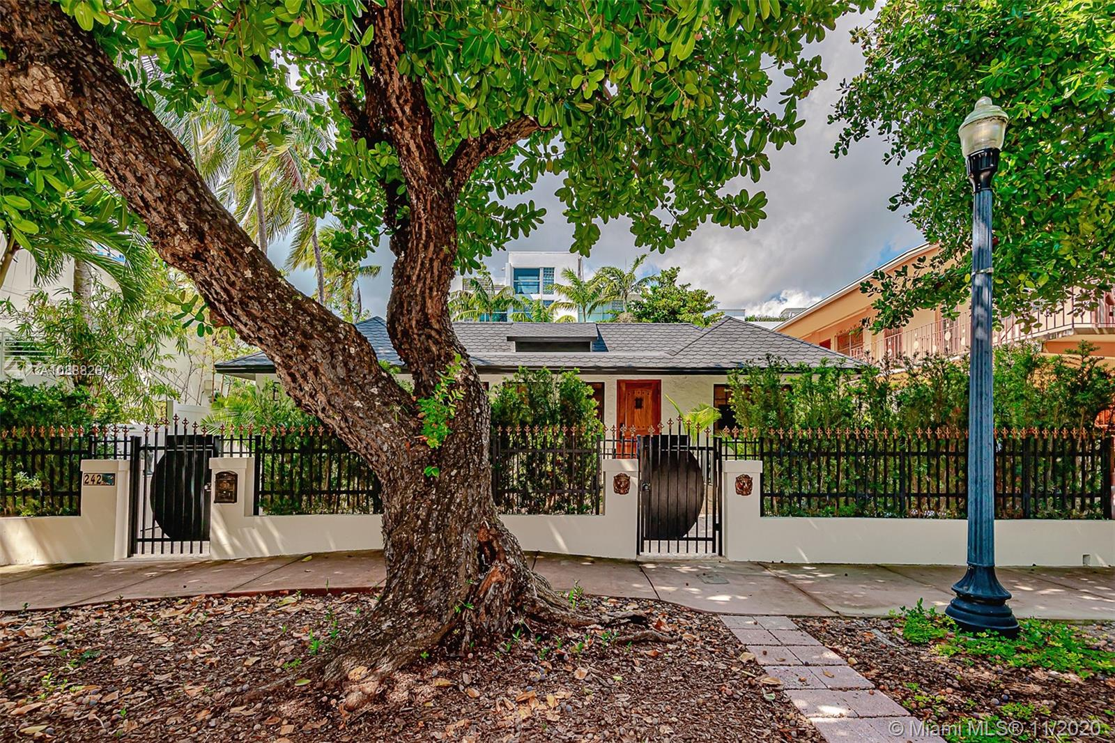 242  Meridian Ave  For Sale A10888287, FL