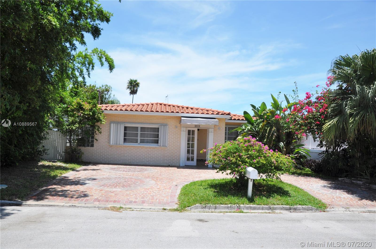 8919  Garland Ave  For Sale A10889567, FL