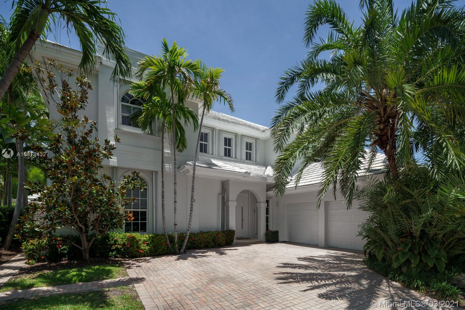 13  Grand Bay Estates Cir  For Sale A10878432, FL