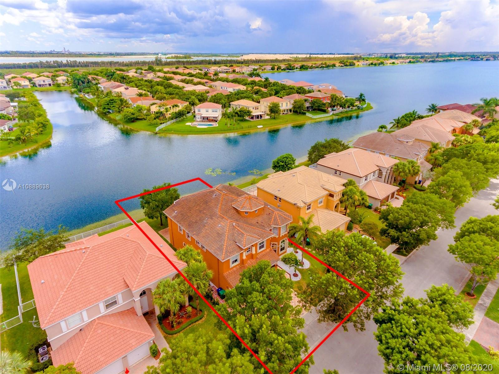 15844 SW 52nd St  For Sale A10889638, FL