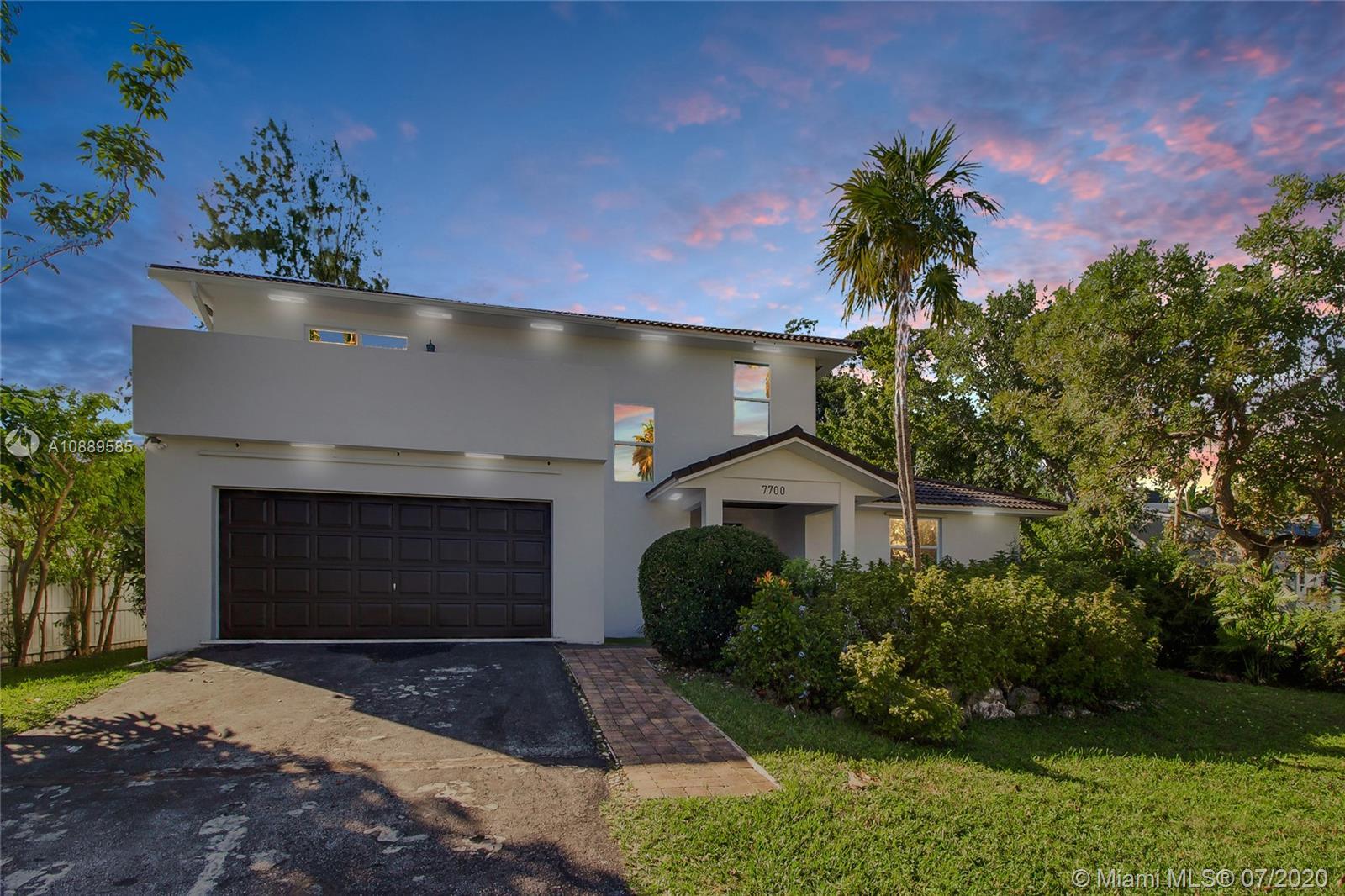 7700  Beachview Dr  For Sale A10889585, FL