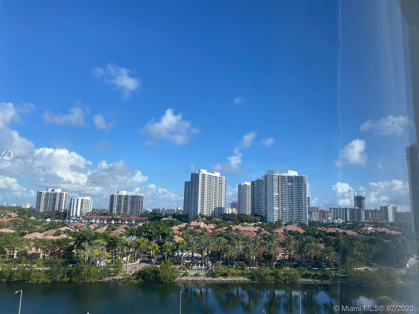 3731 N Country Club Dr #928 For Sale A10889075, FL