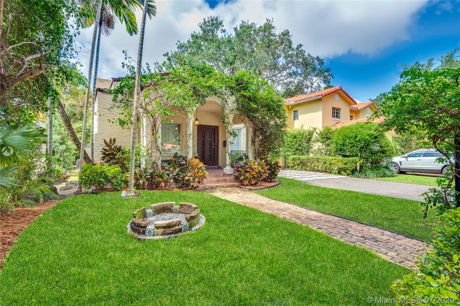 908  Mariana Ave  For Sale A10879866, FL