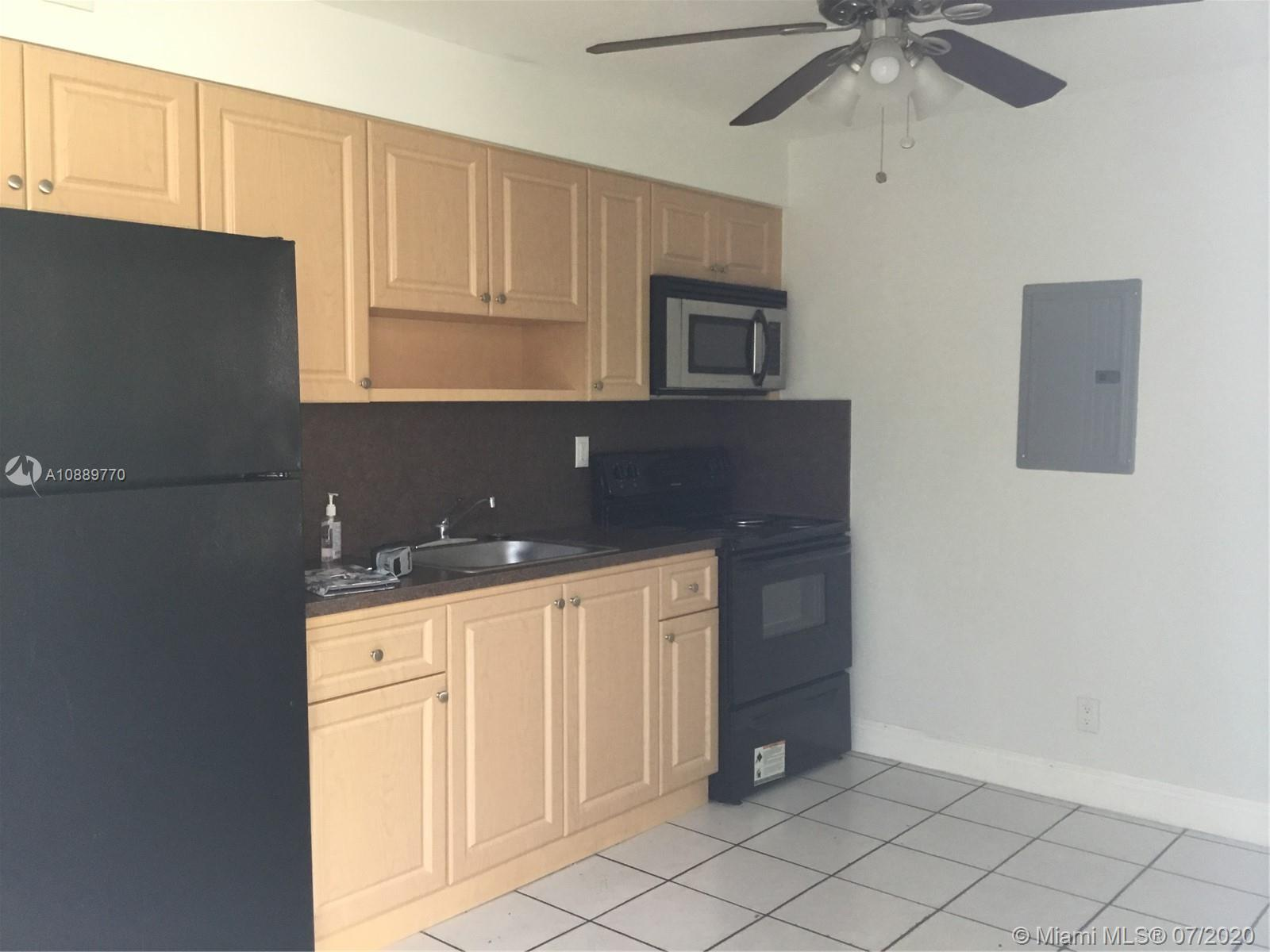 1635  Dewey St #1 For Sale A10889770, FL