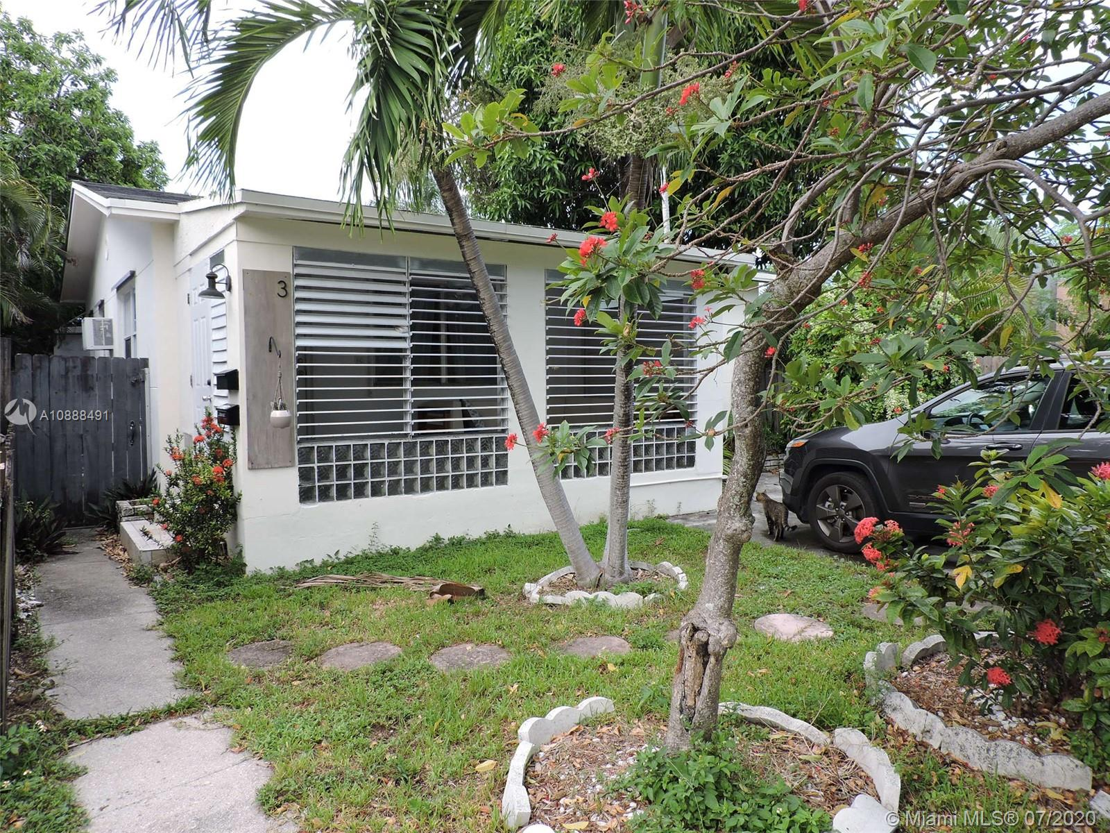 1943  Taylor St  For Sale A10888491, FL