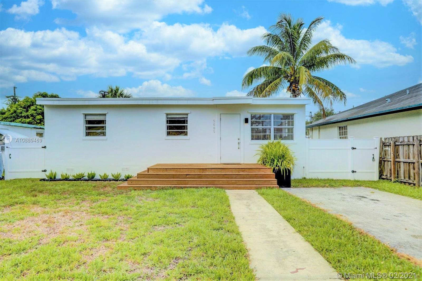 5605  Mayo St  For Sale A10889469, FL