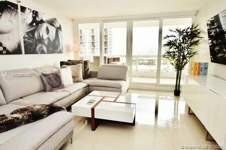 1717  N bayshore #a-2056 For Sale A10890452, FL
