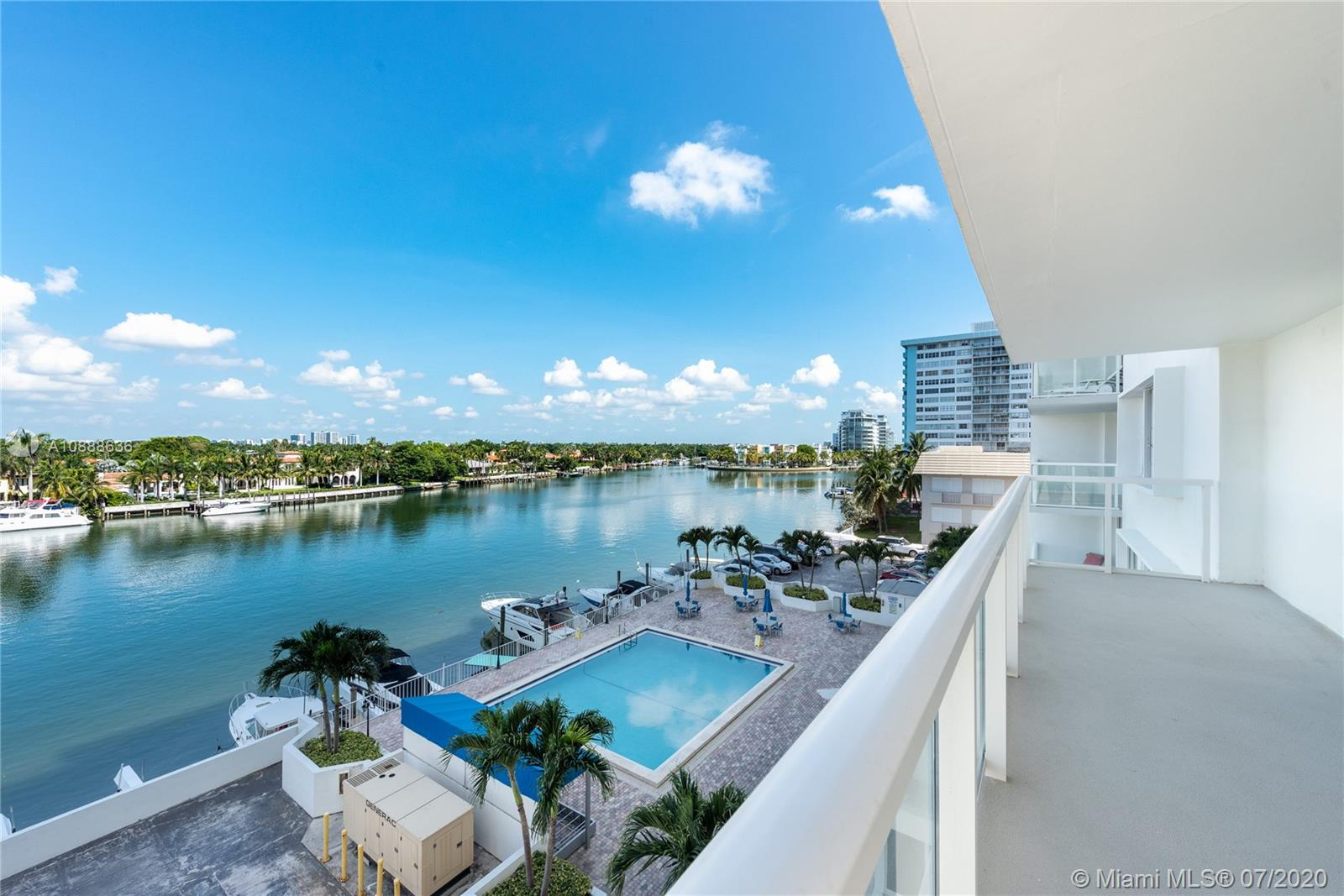 """Beautiful 2 bed/2 bath PLUS DEN/OFFICE. Located in the Millionaires Road. 1940 sqft with view to Intercostal! All assessments fully paid great apartment for Urban families with lots of space and storage. """" As per condo rules unit cannot be rented for the first 2 years after purchase""""."""