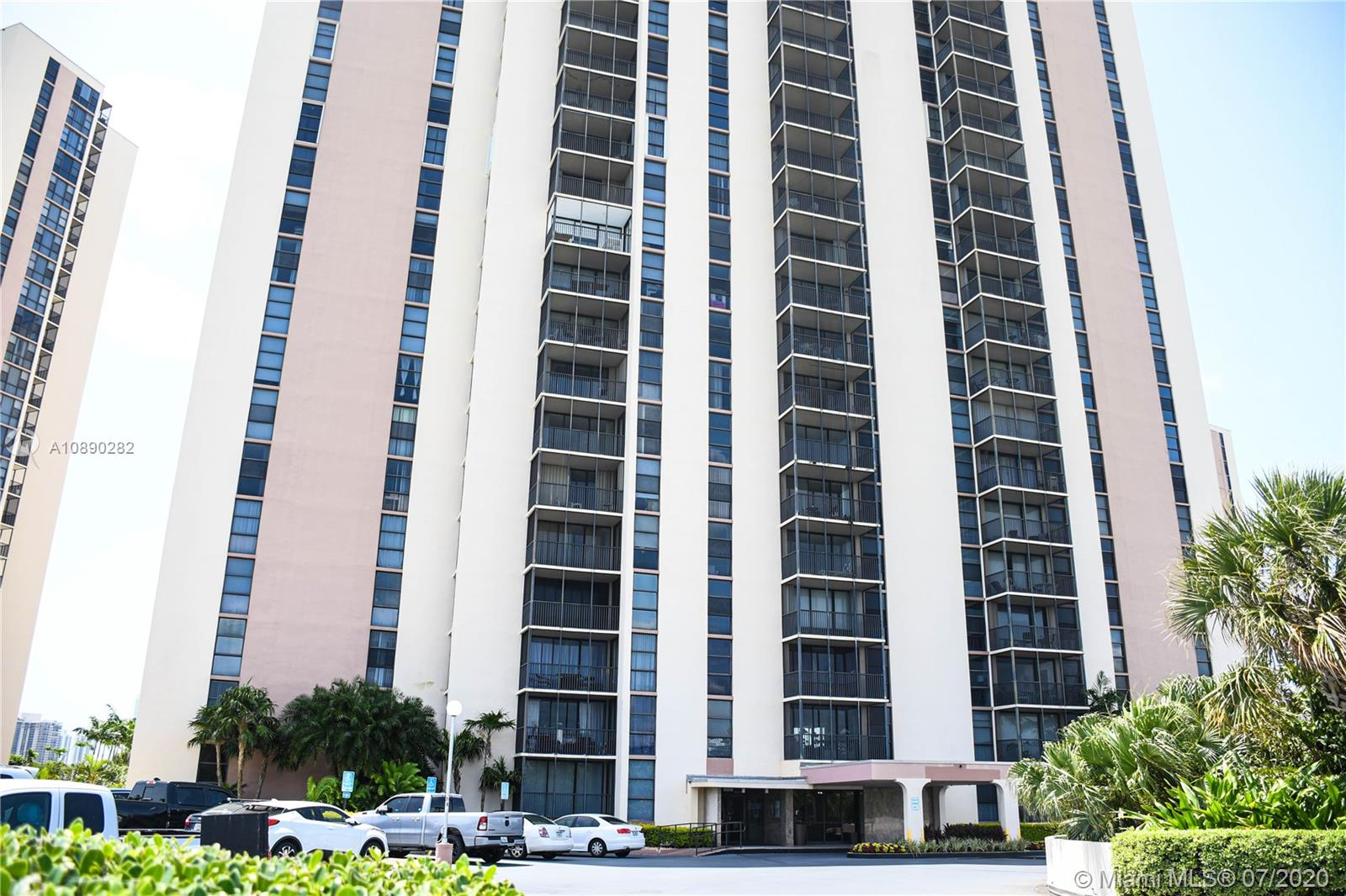 20311 W Country Club Drive #422 For Sale A10890282, FL