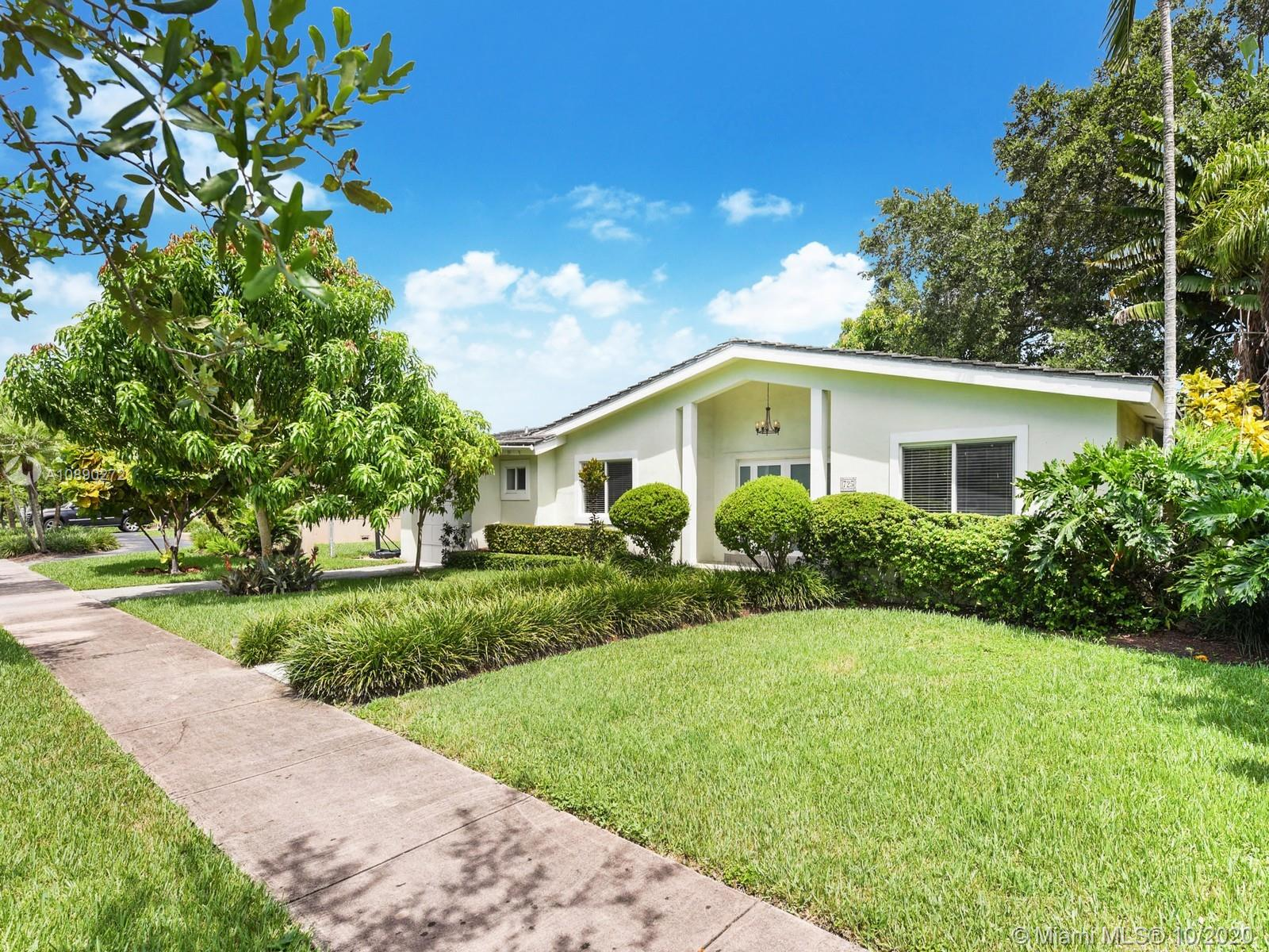 725  Benevento Ave  For Sale A10890272, FL