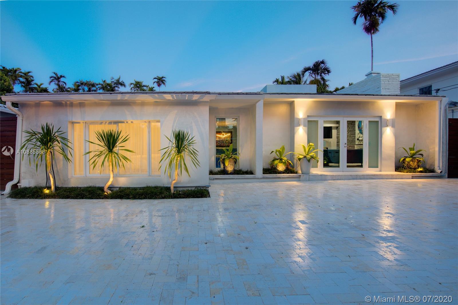 6071 N Bay Rd  For Sale A10885888, FL