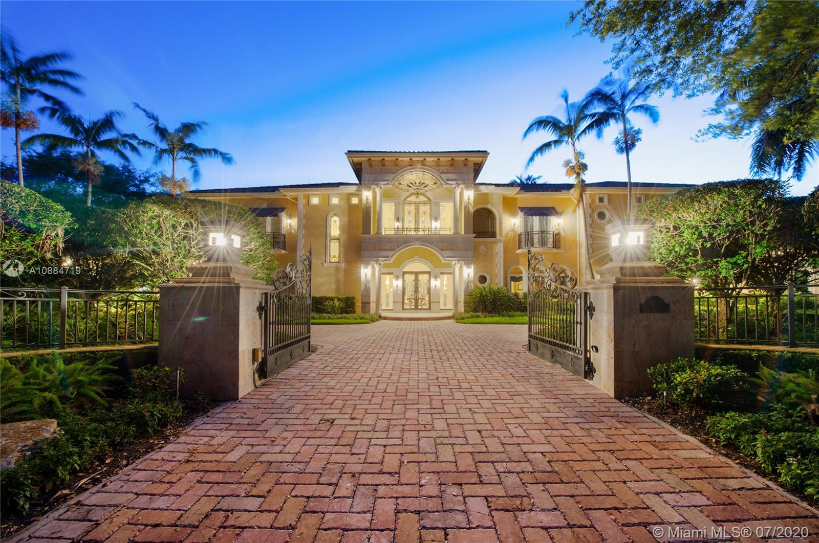 10300 SW 65th Ave  For Sale A10884719, FL