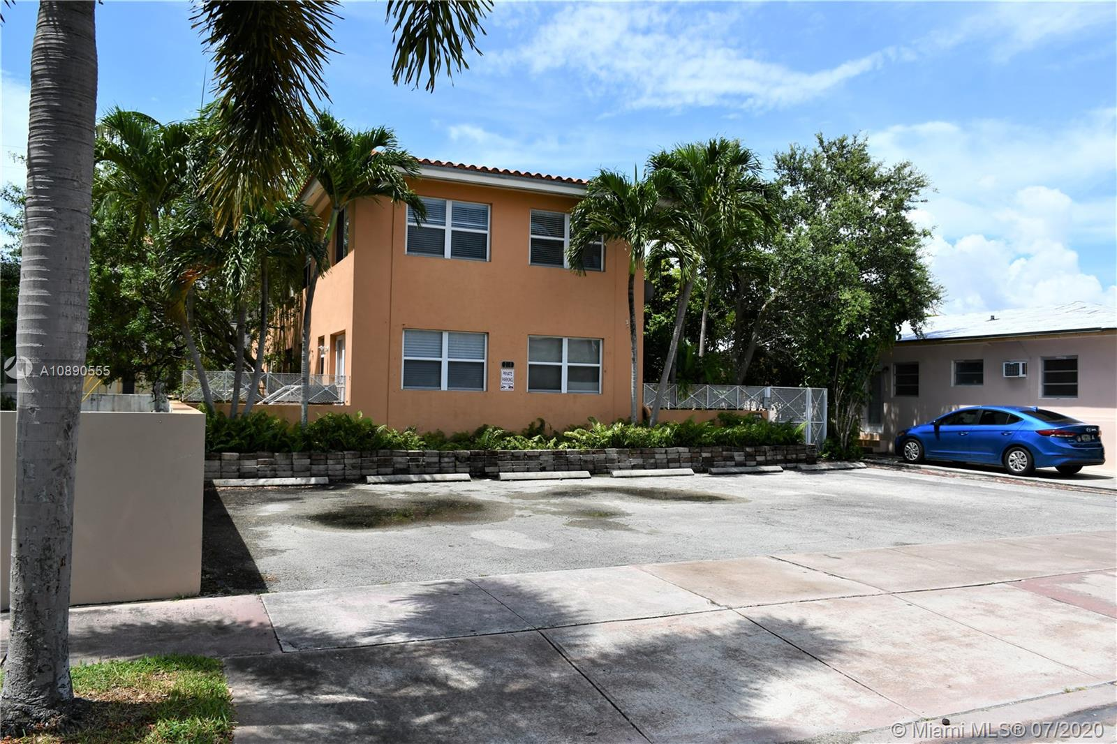 210  Mendoza Ave #6 For Sale A10890555, FL