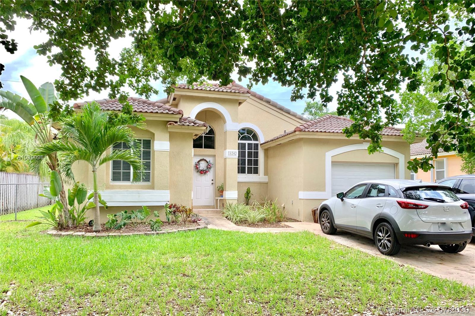 18242 SW 94th Ct  For Sale A10890961, FL