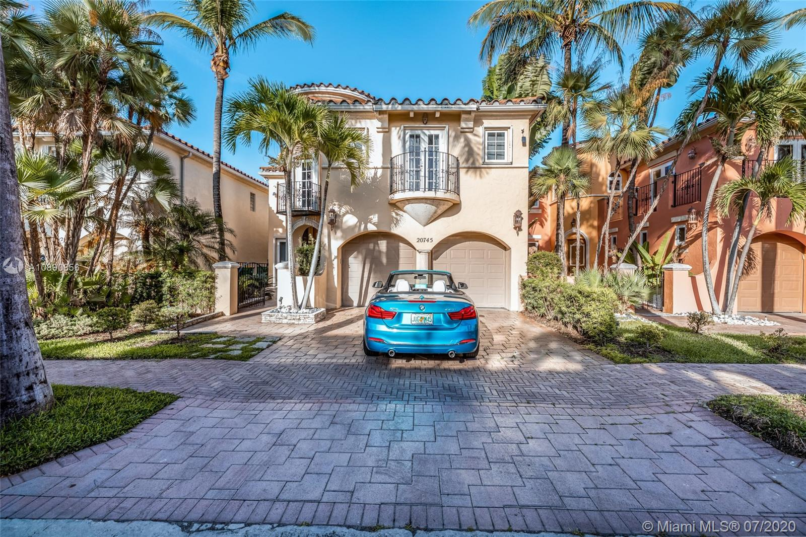 20745 NE 32nd Place  For Sale A10890856, FL