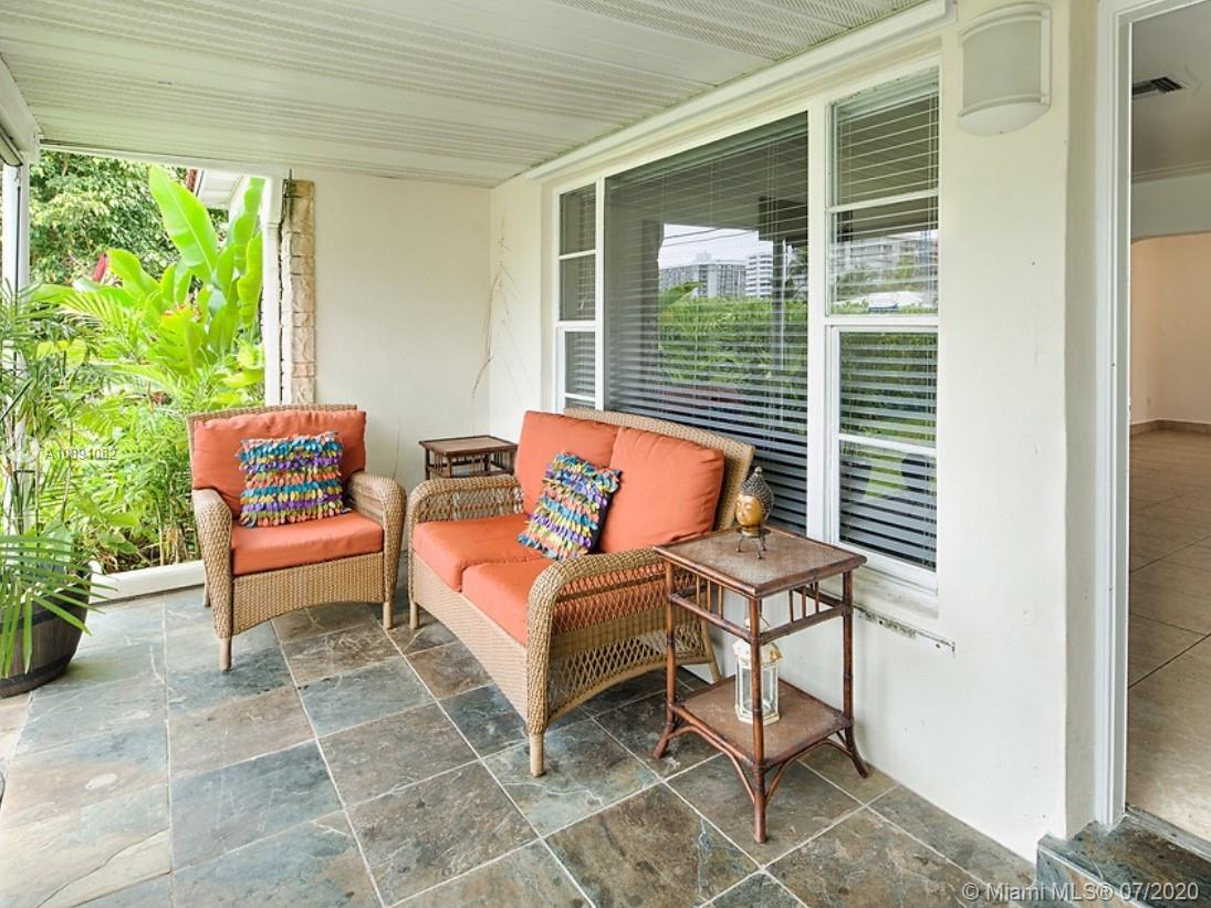 9040  Abbott Ave  For Sale A10891082, FL