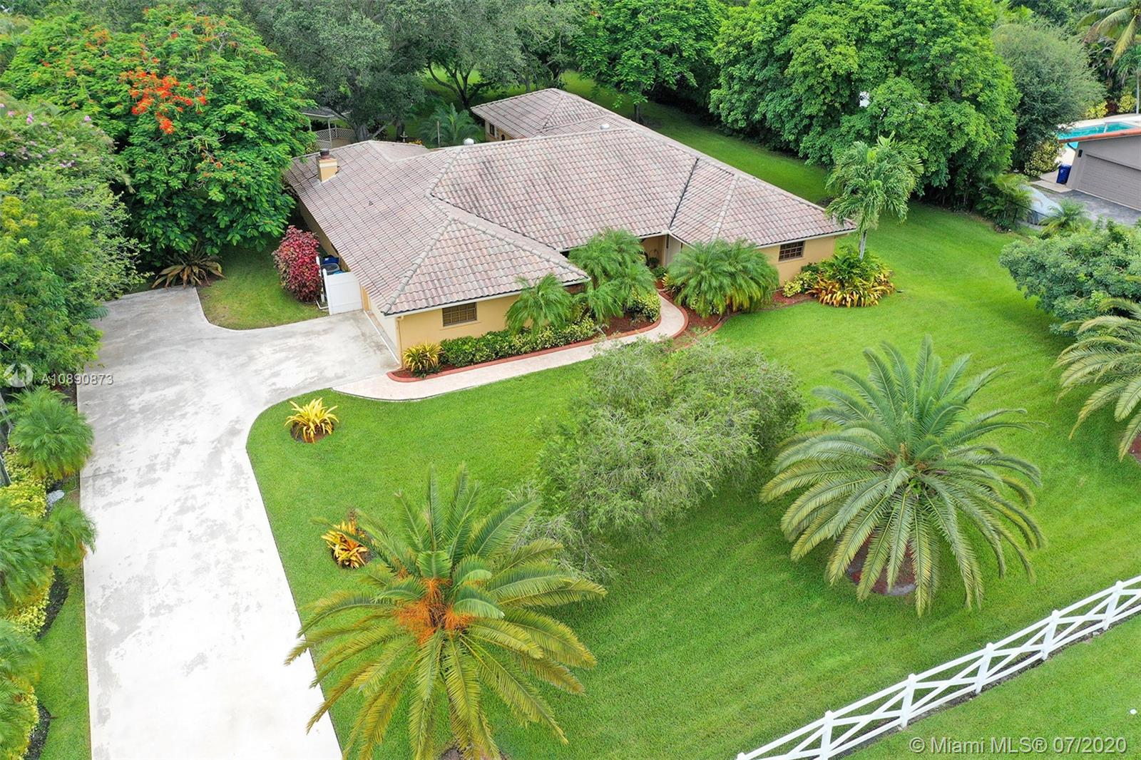 5301 SW 164th Ter  For Sale A10890873, FL