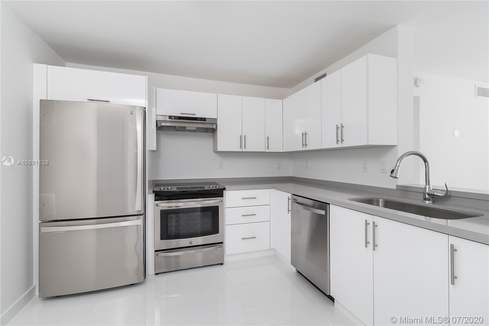 3588  Collins Ave #506 For Sale A10891138, FL