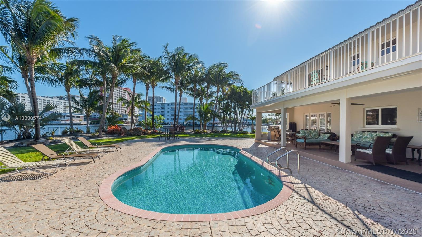 100  Holiday Dr  For Sale A10890574, FL
