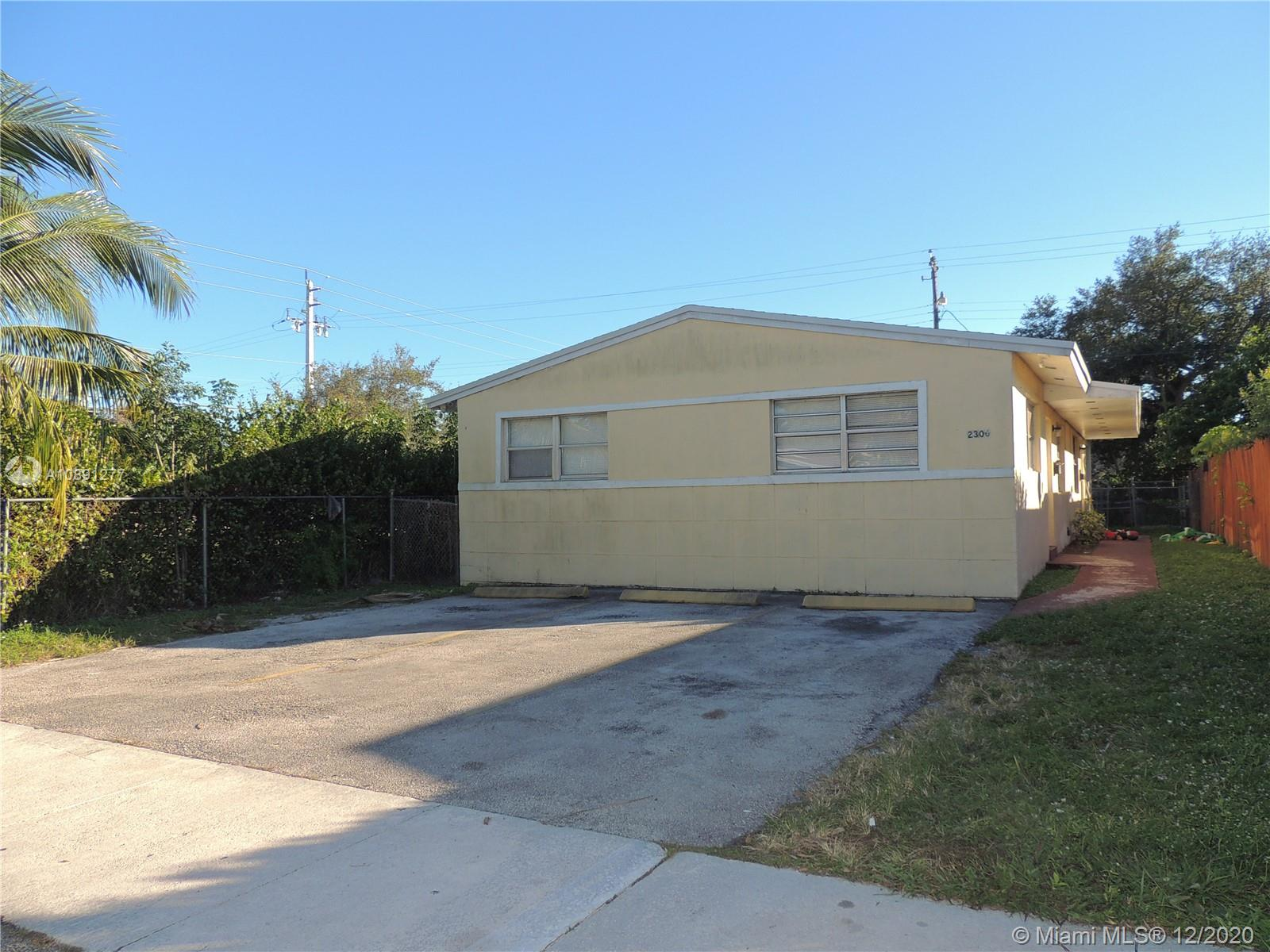 2306  Simms St  For Sale A10891277, FL