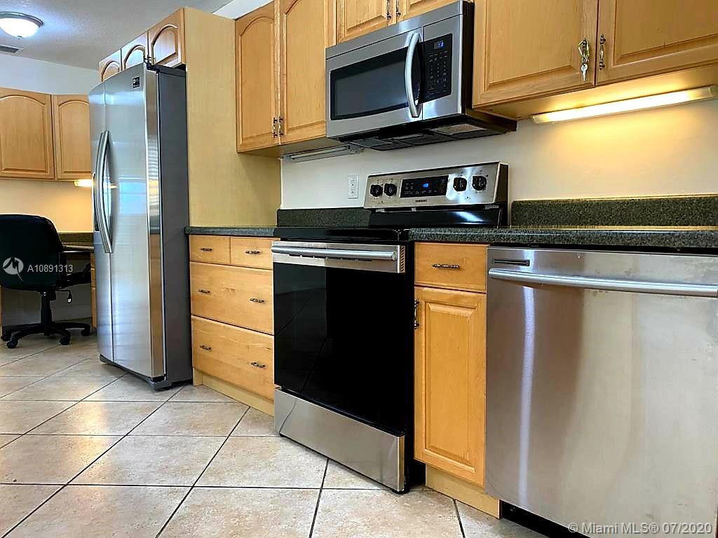 1818  Rodman St #3H For Sale A10891313, FL