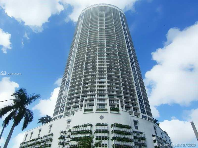 2/2 with panoramic water and city views of Biscayne Bay and Miami Skyline. Wrap-around balcony, stainless steel applicances, granite countertops. Located in Miami's most vibrant location, close to Wynwood, Design District, Midtown and Downtown. Cable & Internet included in maintenance fee. Conveniently located a block from the new Publix, restaurants, American Airlines Arena, shops and much more. The resort-style building of Opera Tower has a circular architecture which is was designed by Rolando Llanes. Opera Tower offers great amenities including swimming pool, social event room, 24/7 security, valet parking, fully-equipped business center, state-of-the-art fitness center with cardio and training equipment