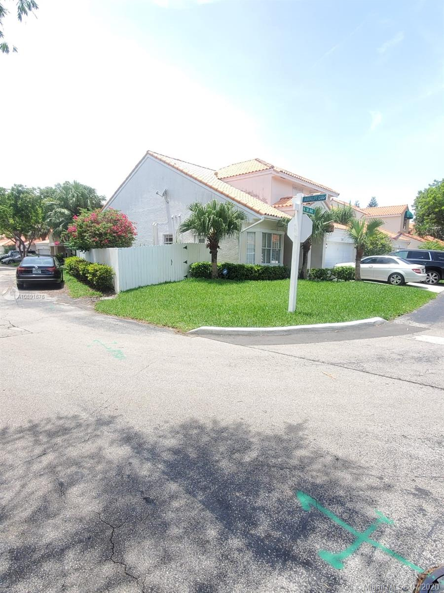 3100 N 38th Ave  For Sale A10891676, FL