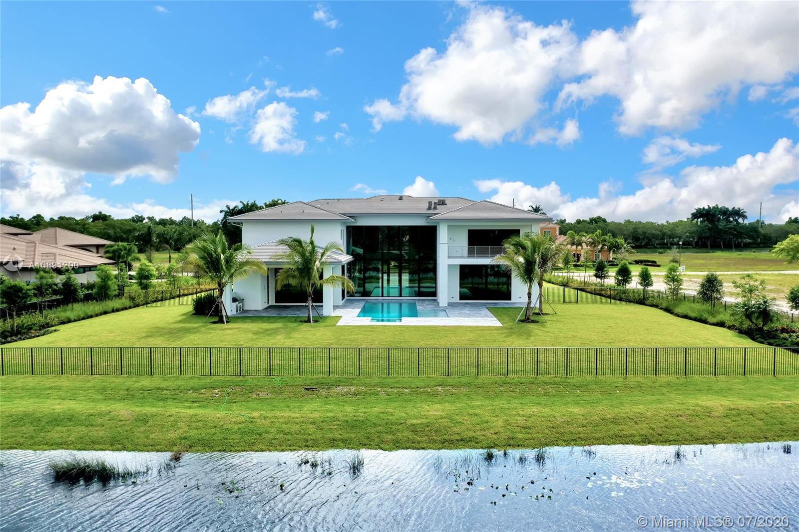 2829  Lake Ridge Lane  For Sale A10891200, FL