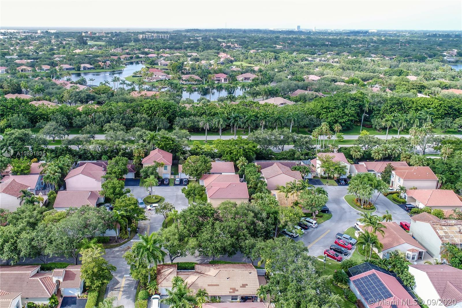 1373  Seagrape Cir  For Sale A10891635, FL