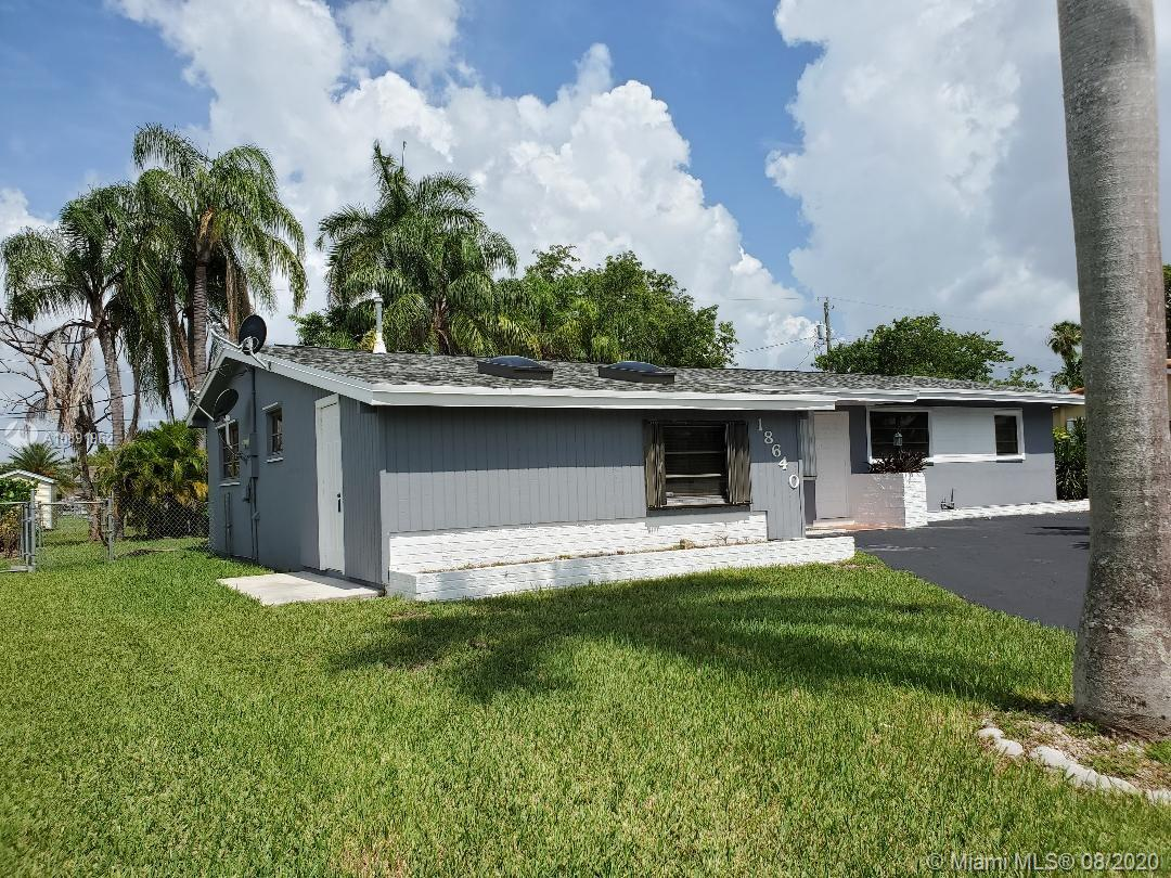 18640 SW 98th Ave  For Sale A10891962, FL