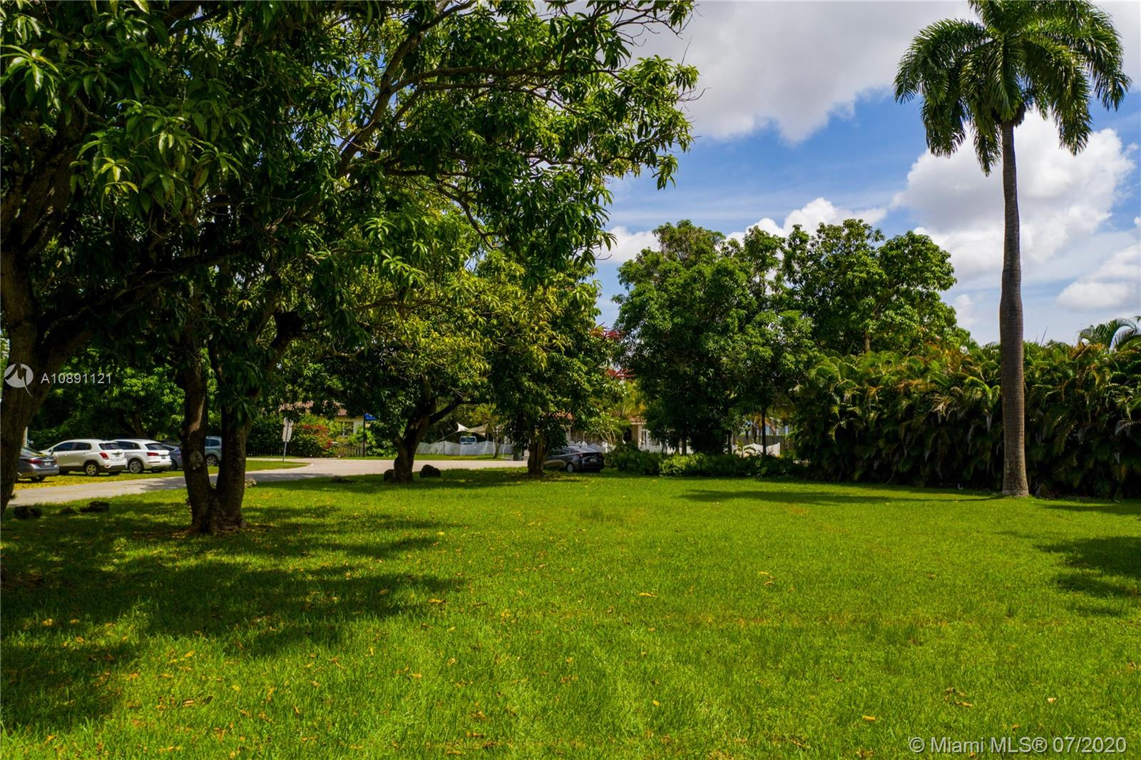 6540  Manor Ln  For Sale A10891121, FL
