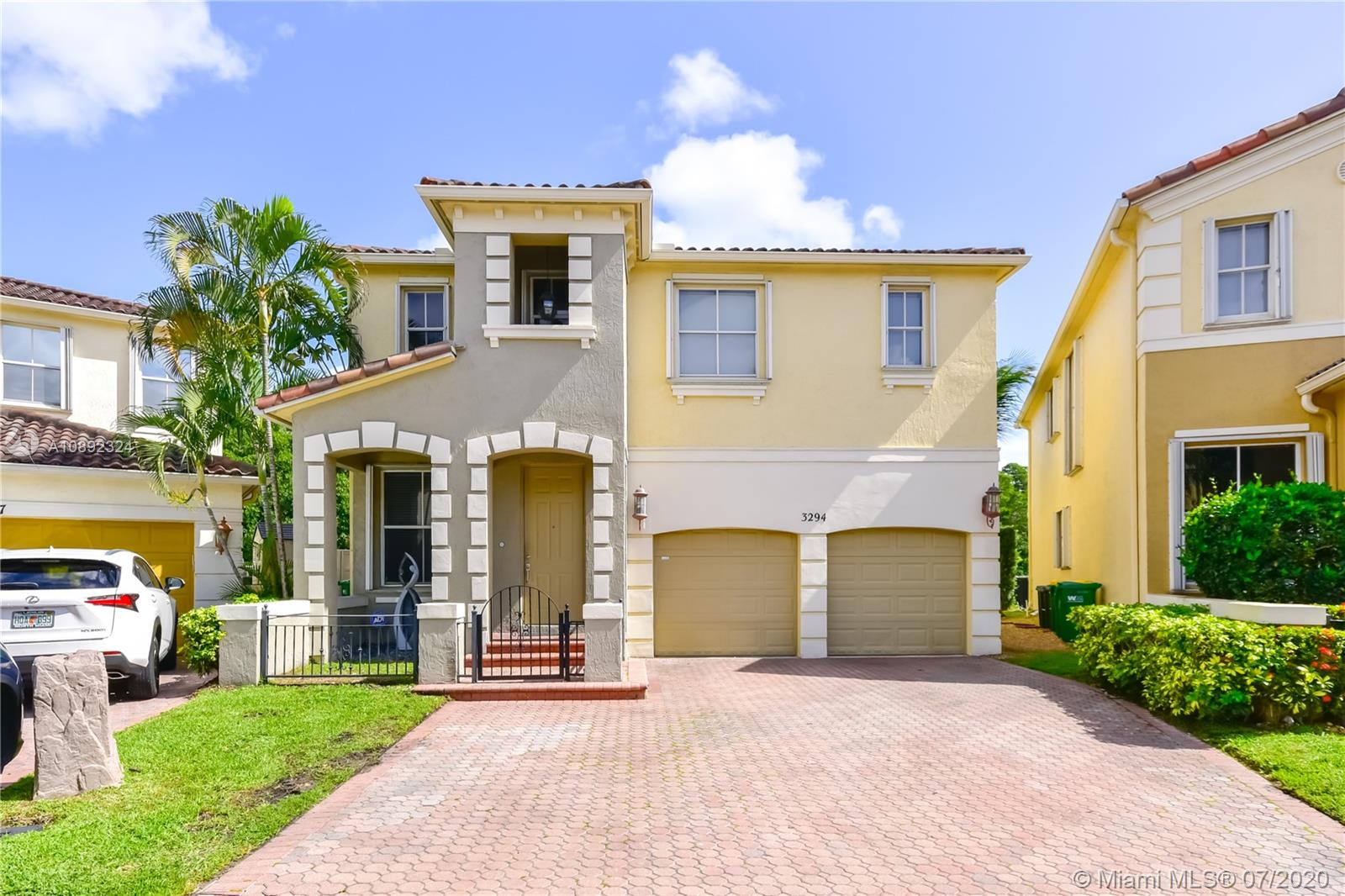 3294 NE 211th Ter  For Sale A10892324, FL