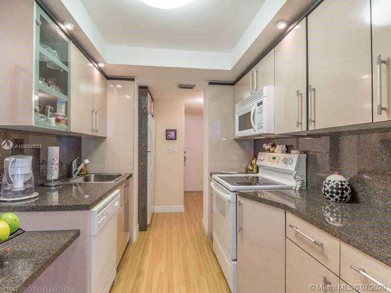 251  174th St #606 For Sale A10892023, FL