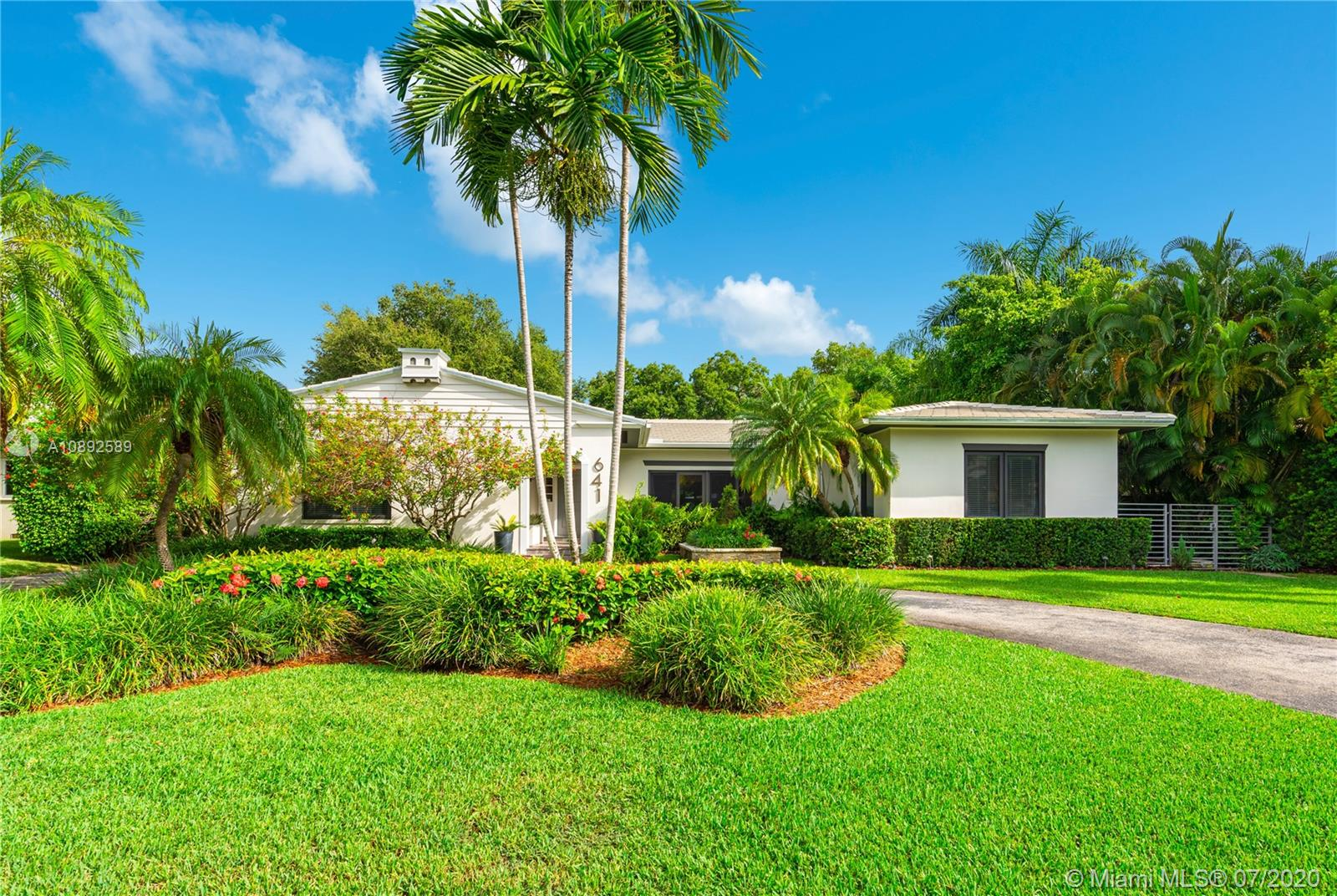 641  Island Rd  For Sale A10892589, FL