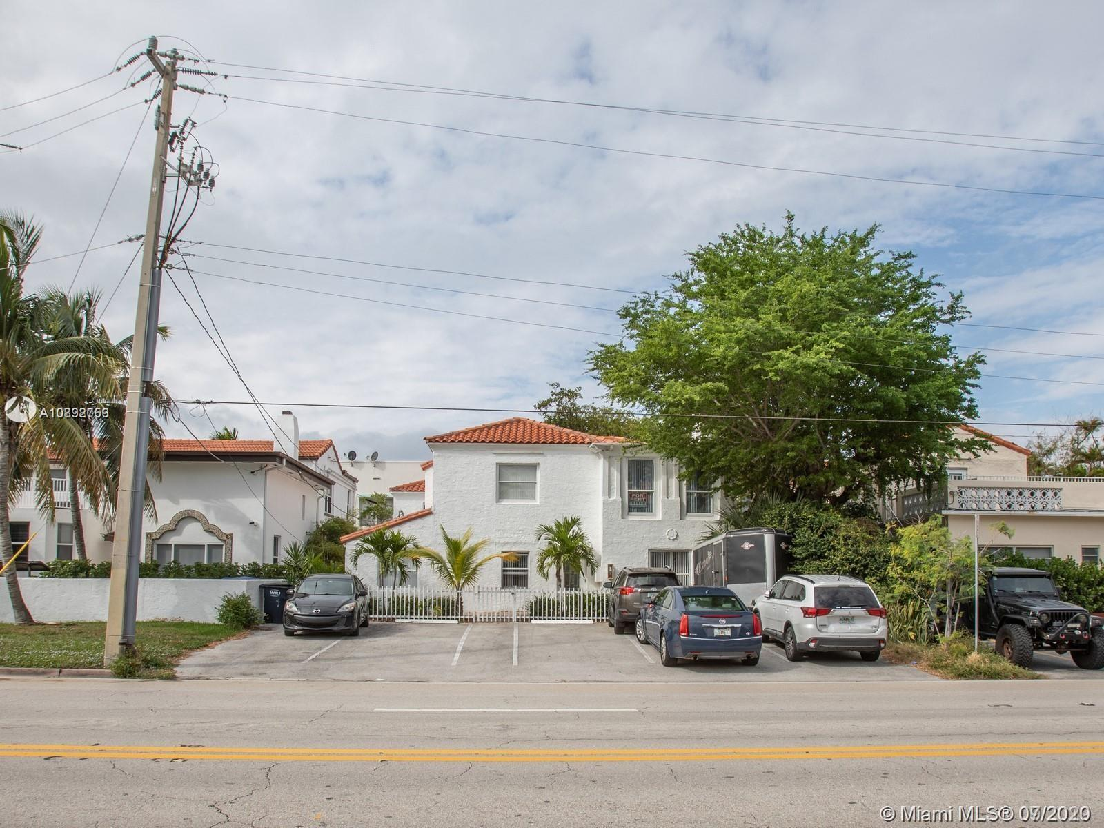 2816  Pine Tree Dr  For Sale A10892759, FL