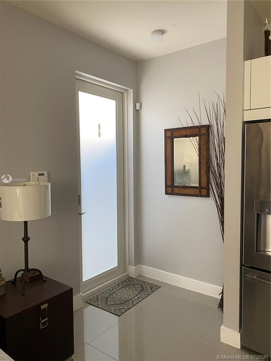 10424 NW 63rd Ter #Unit 1 For Sale A10892894, FL