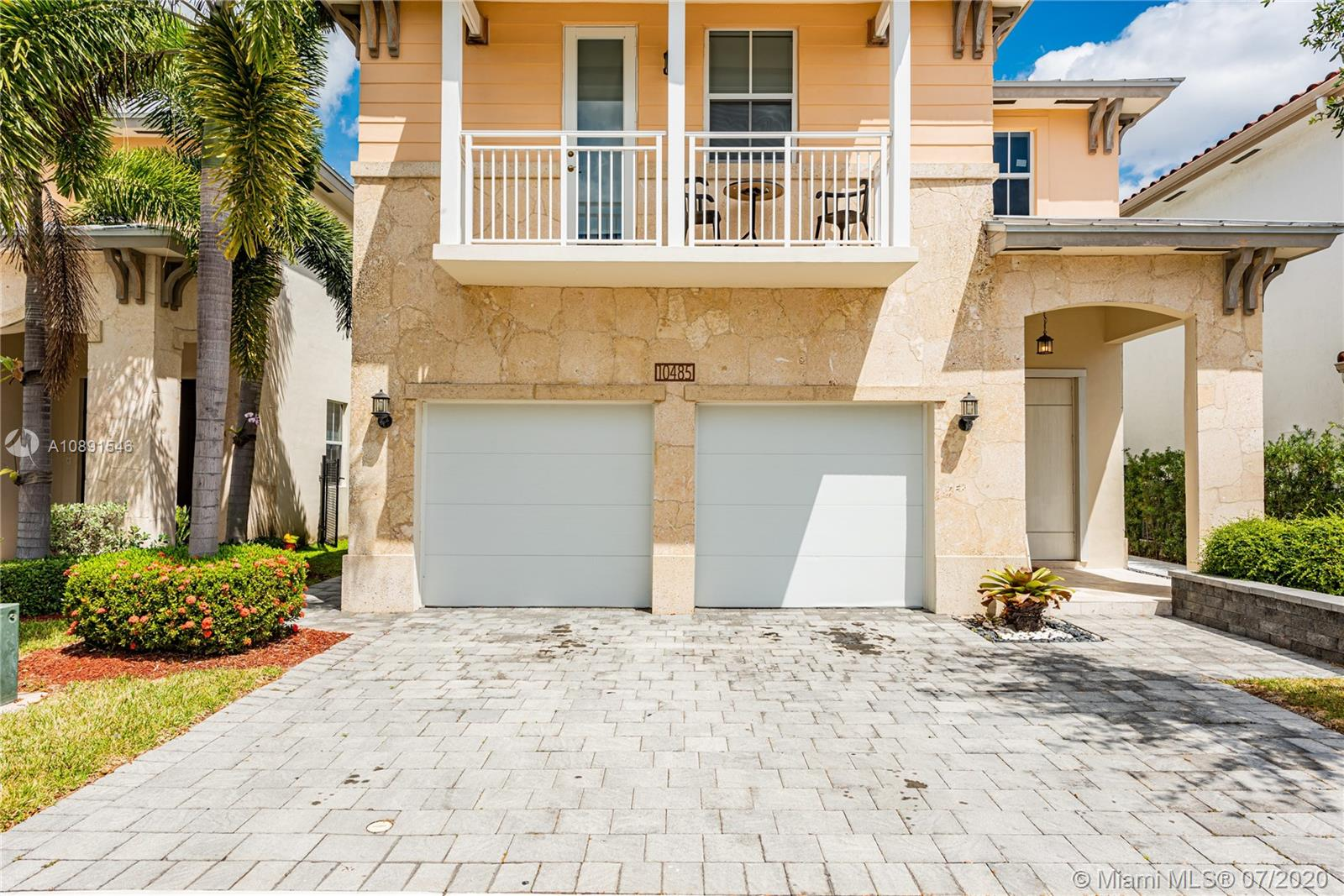 10485 NW 69th Ter  For Sale A10891546, FL