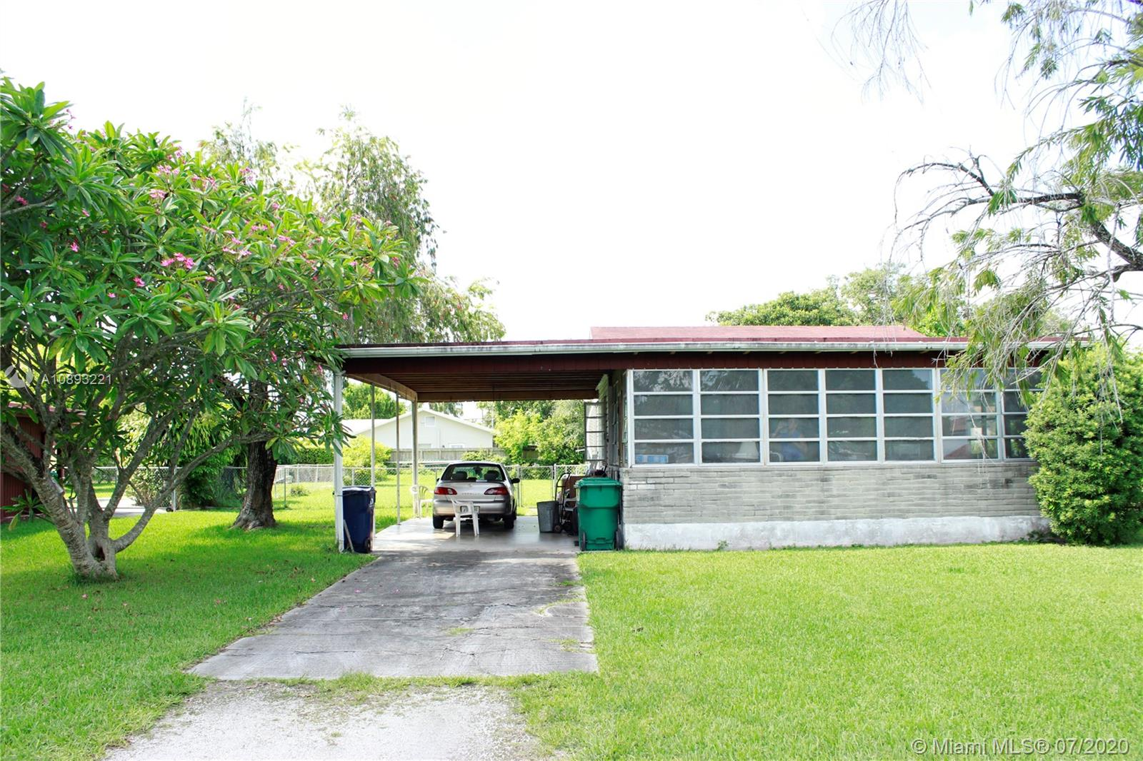 6460 SW 34th St  For Sale A10893221, FL