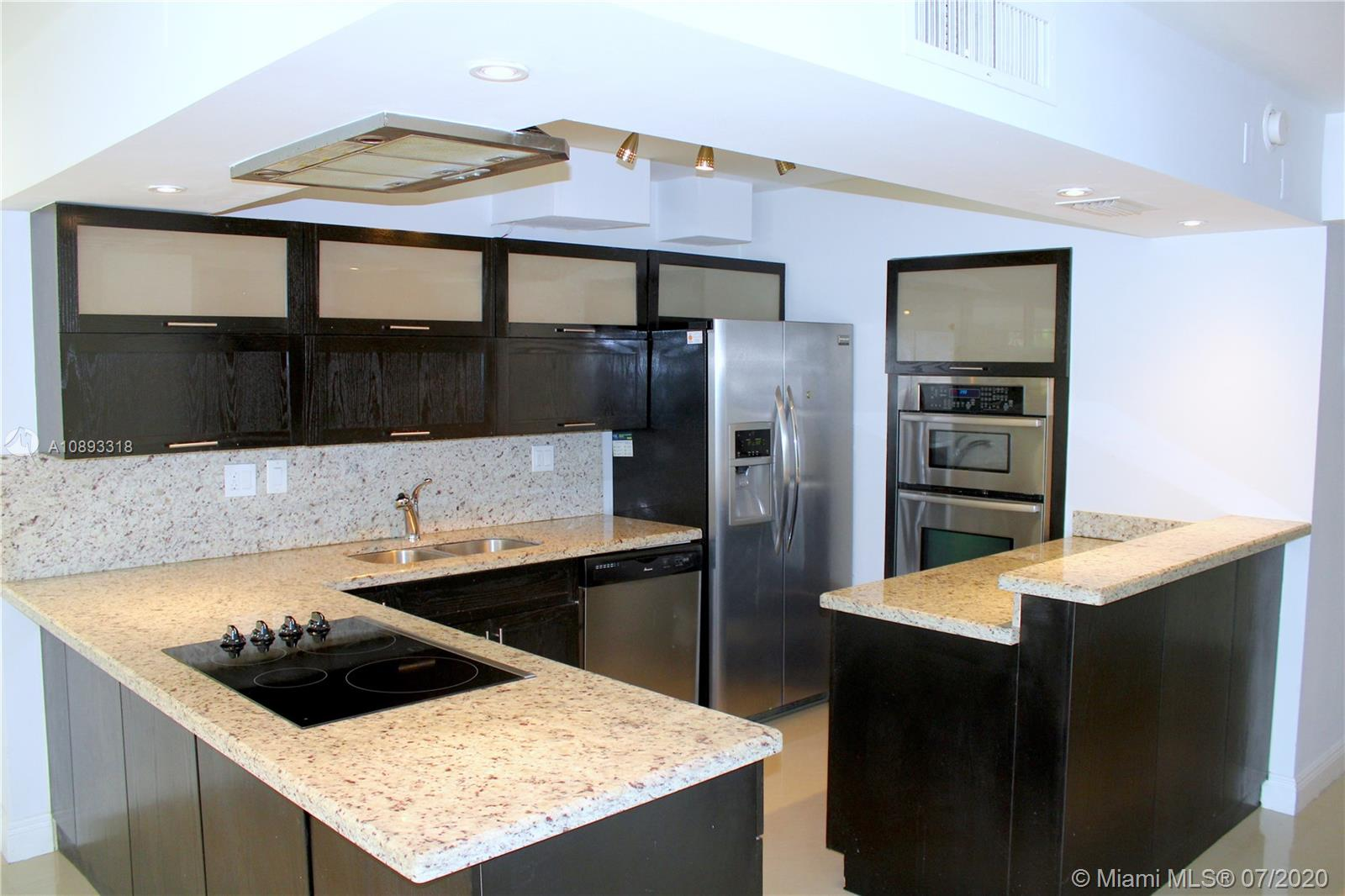 20300 W Country Club Dr #120-3 For Sale A10893318, FL
