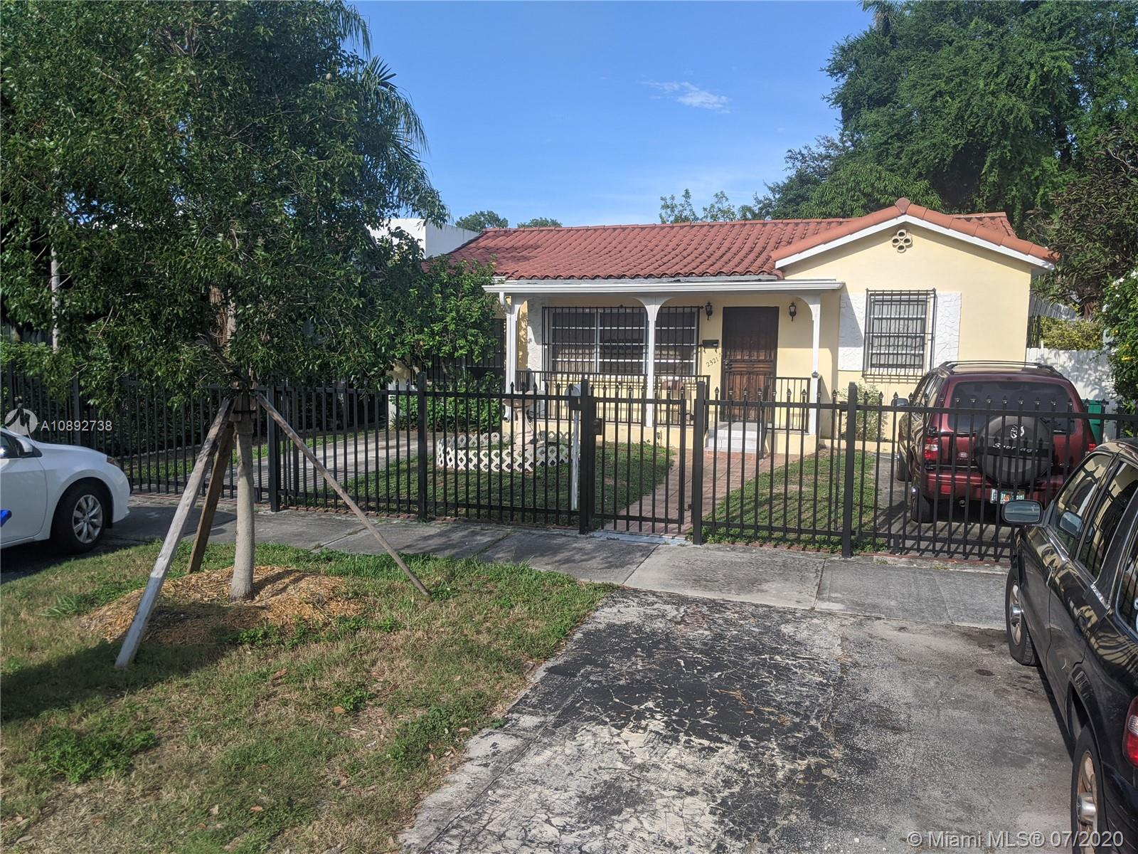 2321 SW 16th Ct  For Sale A10892738, FL
