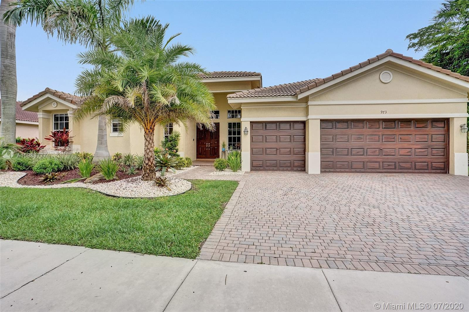 GREAT AND SPACIOUS 5 BEDROOMS, 3 BATHROOMS AND A 3 CAR GARAGE ONE STORY BRYANT MODEL IN DESIRABLE COMMUNITY OF WATERSIDE-THE COVE IN SAVANNA WESTON. THIS HOME HAS PLENTY OF SPACE, VERY BRIGHT FLOOR PLAN WITH A COVERED BACK PATIO AND ROOM FOR A SWIMMING POOL. GREAT SCHOOLS. DON'T MISS THIS GREAT OPPORTUNITY!