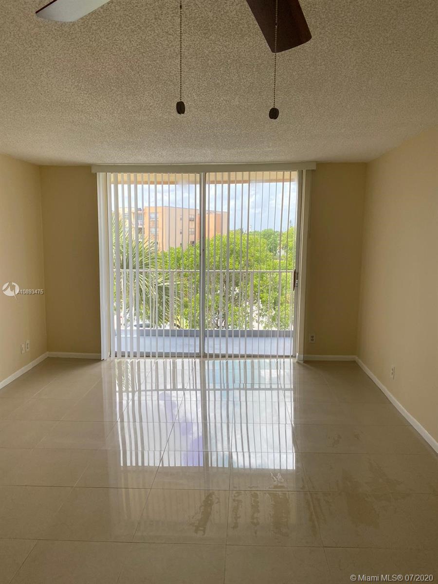 470  Executive Center Dr #4I For Sale A10893475, FL