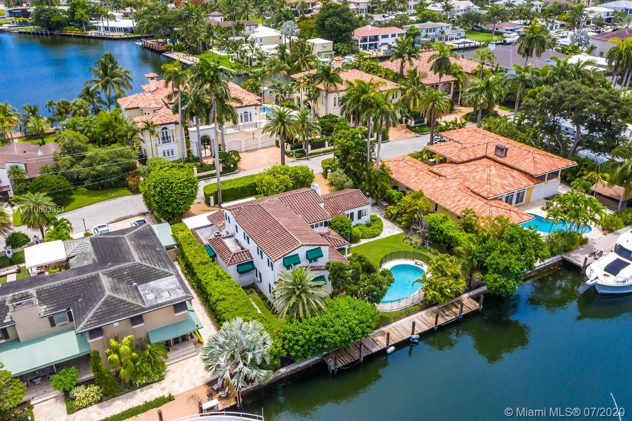 An Extraordinary Waterfront Location on the prestigious Las Olas Isles. This beautiful waterfront home is a boater's dream featuring a large pool and  100 feet of deepwater dockage with unrestricted ocean access. Built in 1936. Charming four bedrooms and four bathrooms home that offers 3,800 square feet of tranquil living space, including several additional sitting rooms, a formal living room, and a large family room. The generous size of this lot and the integrity of this home offer vast opportunities for expansion and remodeling. The house is within walking distance to Fort Lauderdale Beach as well as the world-famous Las Olas Boulevard, home to many restaurants, sidewalk cafés, art galleries, and retail shops.--