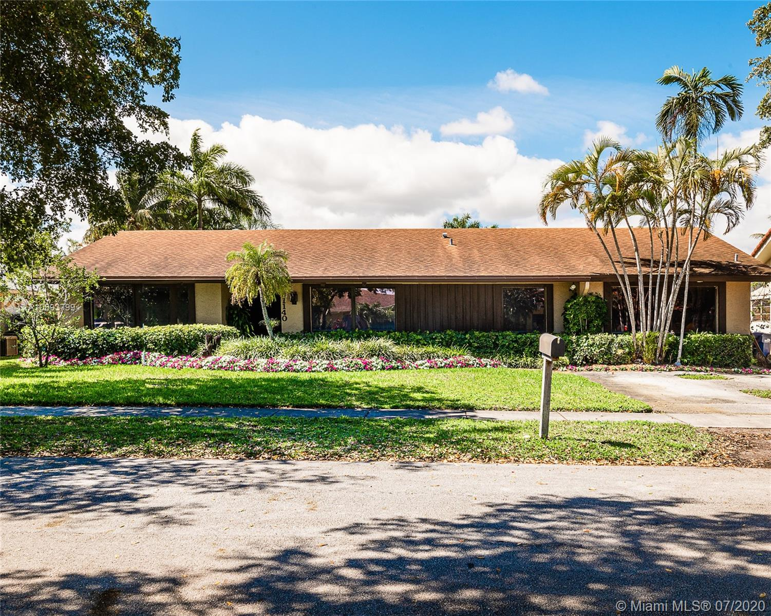 21140 NE 22nd Ct  For Sale A10893799, FL