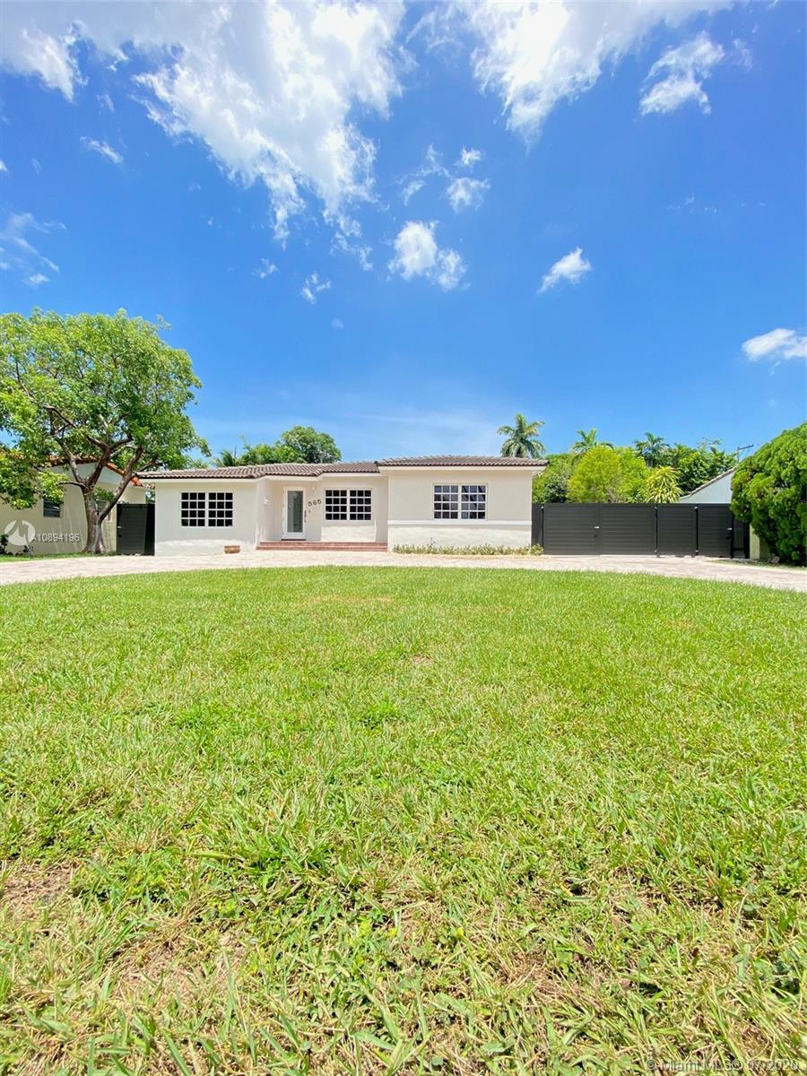565  East Dr  For Sale A10894196, FL